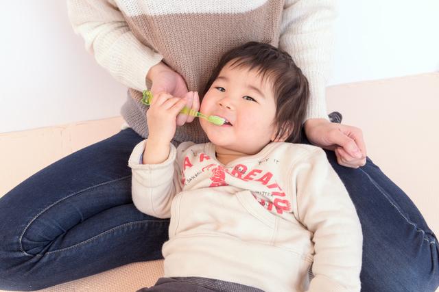 仕上げ磨き 親子,乳幼児,歯,歯磨き