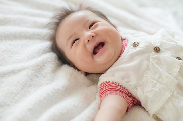 笑う赤ちゃん,赤ちゃん,