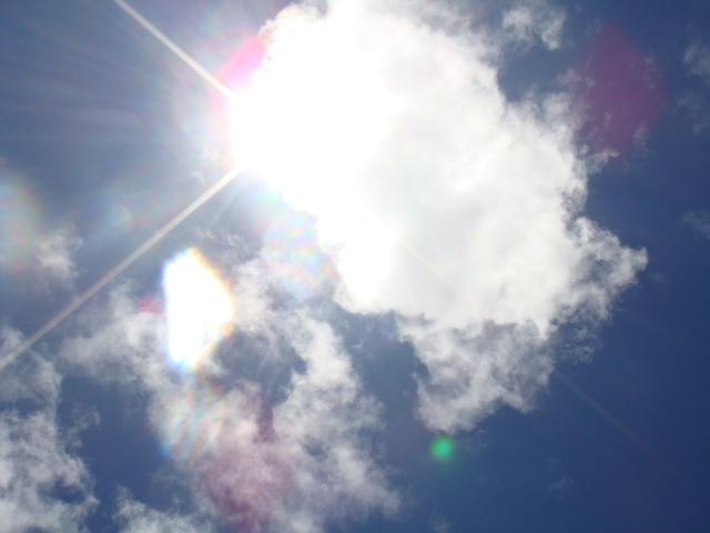 暑い 太陽 光,熱中症,赤ちゃん,