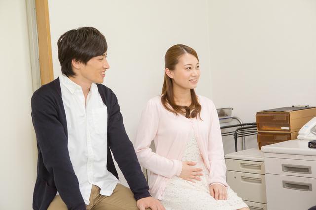 産婦人科を受診する夫婦,妊娠検査薬,フライング,いつから