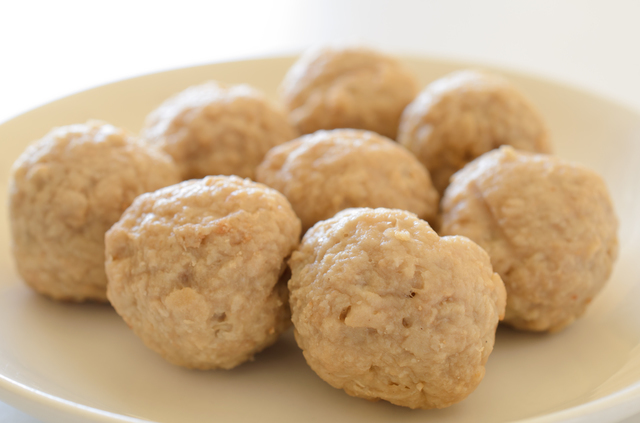 食材の状態:ゆで卵の白身や、茹でたニンジンの輪切り、肉団子程度の固さ
