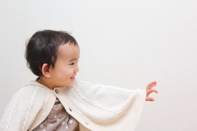 ベビーポンチョを着た赤ちゃん,赤ちゃん,ポンチョ,