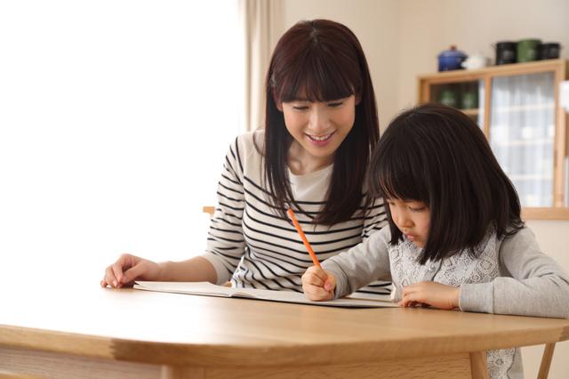 ストーリーを考える親子,手作り絵本,