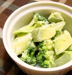 アボカドとブロッコリーのサラダ,離乳食,アボカド,