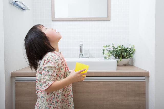 幼稚園保育園子供うがい,手洗い,うがい,子供