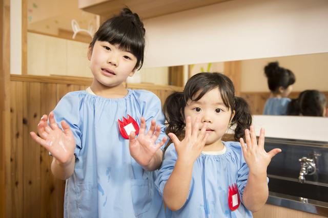 保育園・幼稚園での手洗いうがい,手洗い,うがい,子供