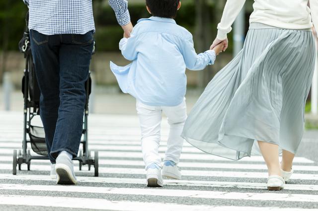 親が交通ルールを守ることが大事,子ども,交通ルール,
