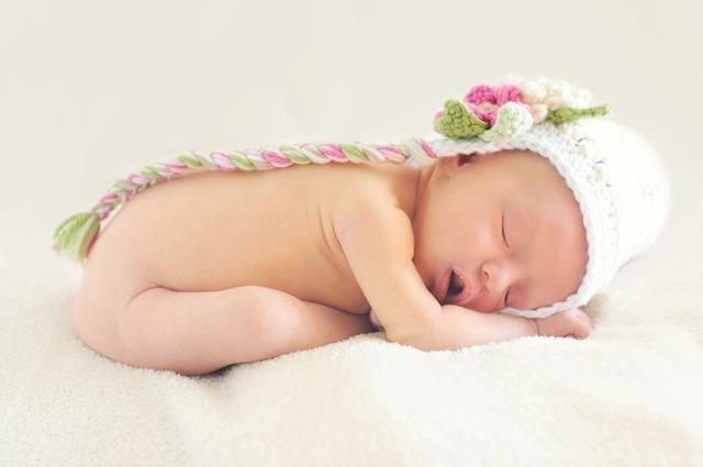 寝ている赤ちゃん,妊婦,葉酸,摂取量