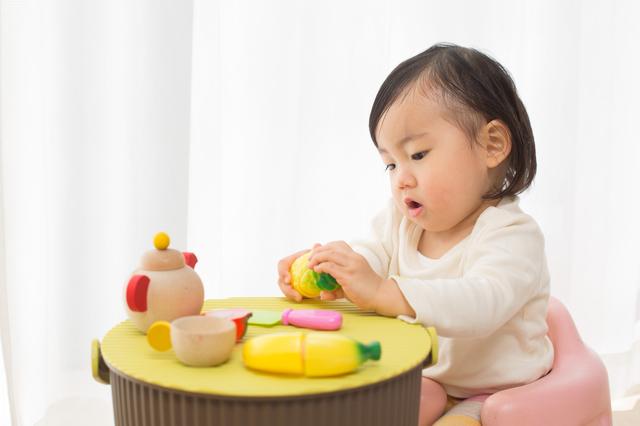 ままごとをする子ども,子ども,知育,おもちゃ