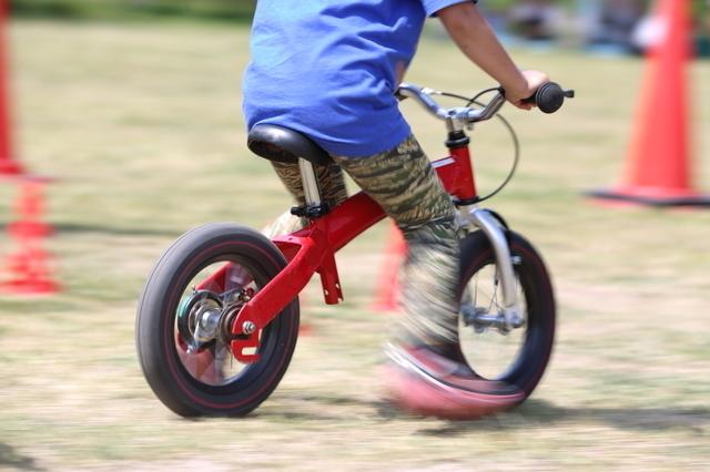ストライダー,ペダルなし,自転車,