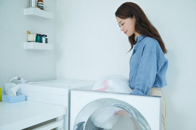 洗濯するママ,
