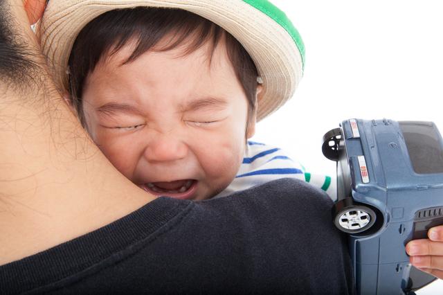 泣く幼児,保育園,何歳から,