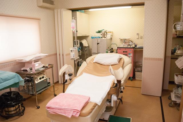 分娩室イメージ,前駆陣痛,陣痛,違い