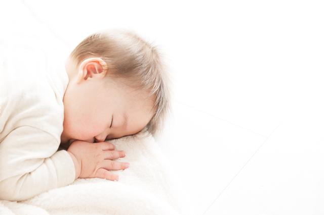 うつ伏せ赤ちゃん,赤ちゃん,5ヶ月,