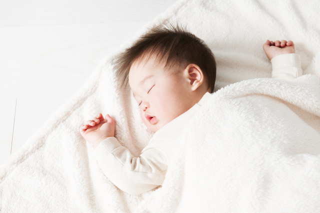 眠る赤ちゃん,生後,10ヶ月,赤ちゃん