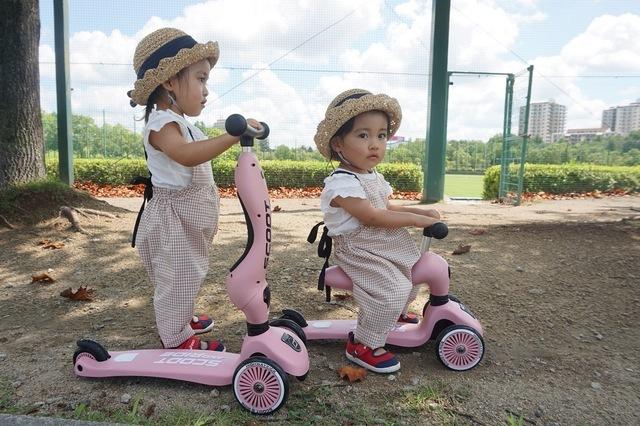 双子ちゃん乗り物,キックボード,キックスケーター,キッズスクーター