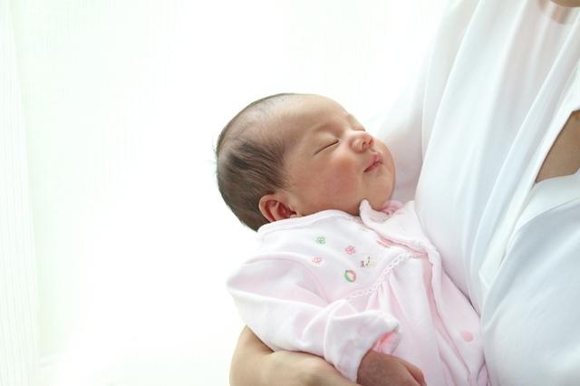 赤ちゃんがベッドで寝ない,赤ちゃん,寝ない,