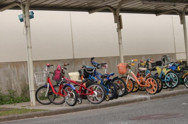 駐輪場,三輪車,1歳,