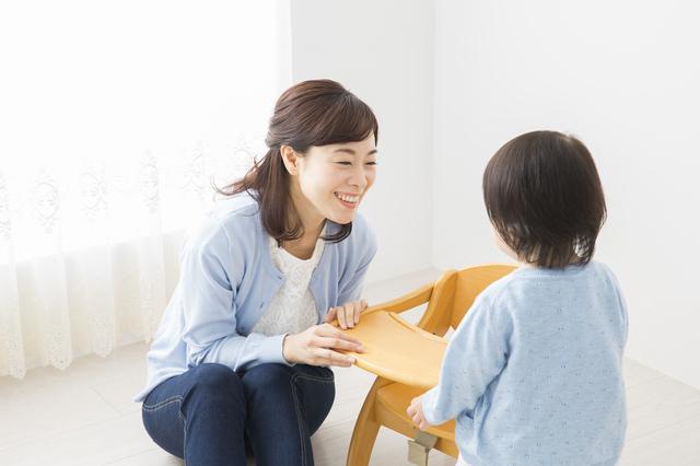 子どもと遊ぶママ,食事マナー,