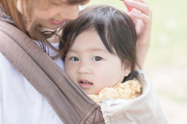 抱っこひもの中の赤ちゃん,抱っこ紐,おすすめ,