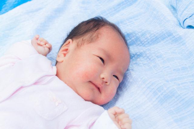 新生児の赤ちゃん,新生児,抱っこひも,