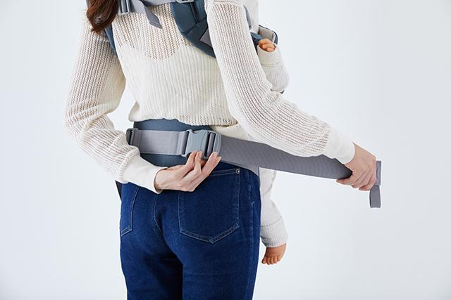 腰ベルトを留めて調節するだけ,ベビーキャリア,カトージ,