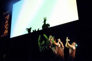 横浜の住宅展示場「ハウススクエア横浜」の子連れイベント「影絵劇団」の様子