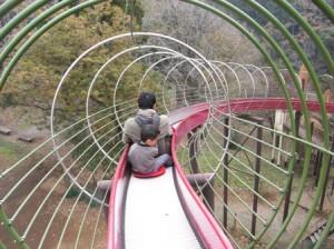 千葉市昭和の森公園のローラー滑り台