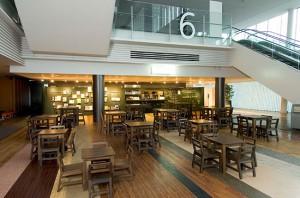 子連れ年間パスポート、お台場の日本科学未来館のカフェ