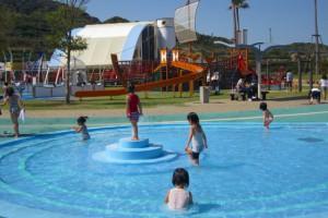 淡路島 の国営明石海峡公園内にある水の遊び場の画像