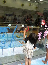 子連れアート体験ができる子どもアトリエの画像
