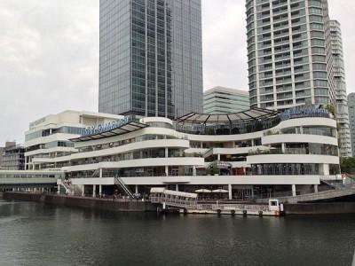 横浜ベイクォーターの子連れのおでかけでおすすめな施設正面画像