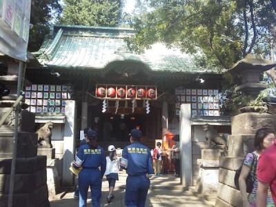 戸越銀座の商店街にある戸越八幡神社の画像