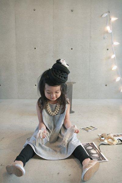 東京のおしゃれな写真をスタジオで撮影する子どものイメージ画像