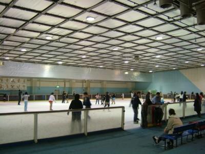 子どもと子連れで初めてアイススケート場特集|川越スケートセンター|埼玉県川越市の画像