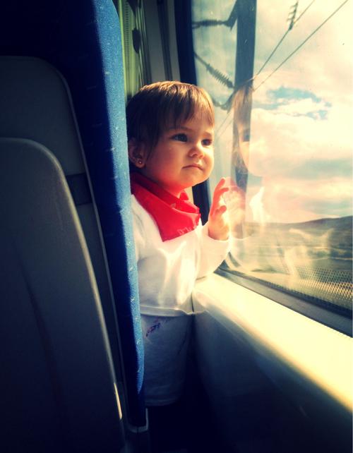 鉄道の日にイベントに参加する子ども画像