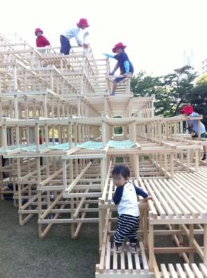 東京ミッドタウンで開催のイベントで遊ぶ子どもの画像01