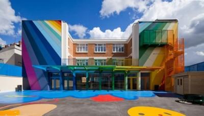 幼稚園の園舎の画像