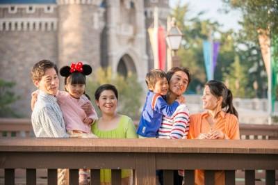 ディズニー年間パス家族写真のイメージ画像