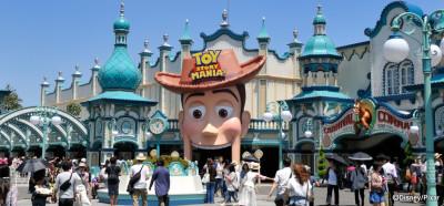 ディズニーシーの子どもと乗れる「トイ・ストーリー・マニア」の画像
