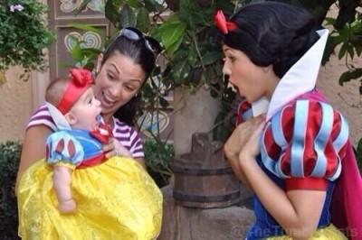 ディズニーシーに赤ちゃんと一緒におでかけのイメージ画像
