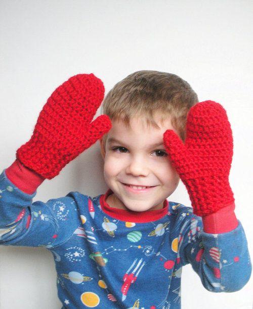 おしゃれに手袋をはめるキッズのイメージ画像