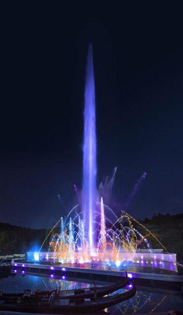 2014年イルミネーションの噴水ショーの画像