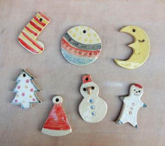 子どもと陶芸体験、手作りクリスマスオーナメント