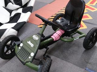 札幌のファンタジーキッズリゾートに子連れでおでかけのレーシング画像
