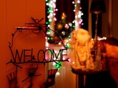 サンタクロースがプレゼント手渡し?帝国ホテル東京のイメージ画像02