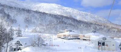 冬の雪を楽しむ子どもの遊びを満喫できるキロロリゾートの画像01