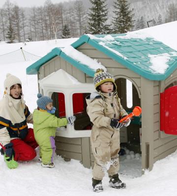 冬の雪を楽しむ子どもの遊びを満喫できるキロロリゾートの画像02