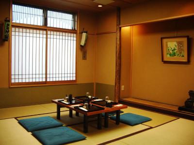 東京・日本橋の子連れでランチにおでかけの藪伊豆総本店の個室内画像