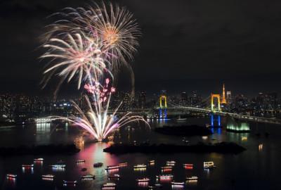 東京の夜景クルーズなら船が一番のイメージ画像